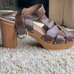 Brown Sandals with heel